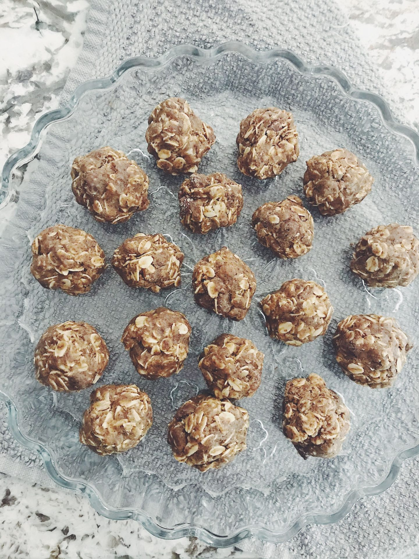 How to Make Peanut Butter Oat Balls